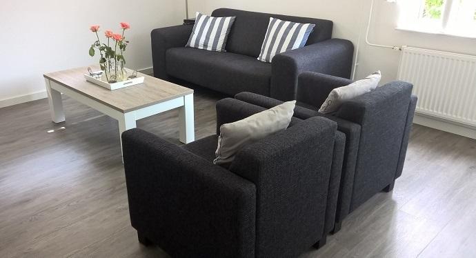 Meubelset 2 eettafel 160 cm salontafel 120 cm for Complete meubelset
